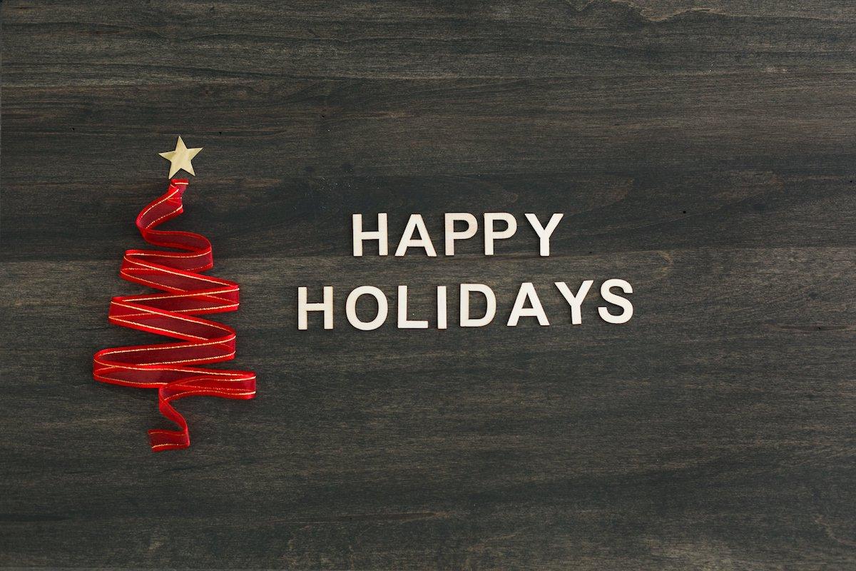 happy-holidays-on-woodgrain_4460x4460 copy